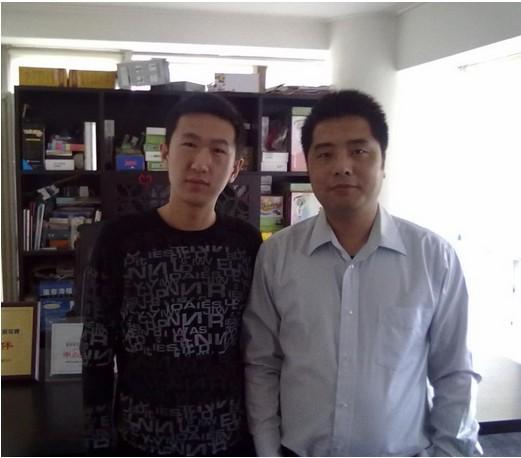 学员董俊与王通老师合影